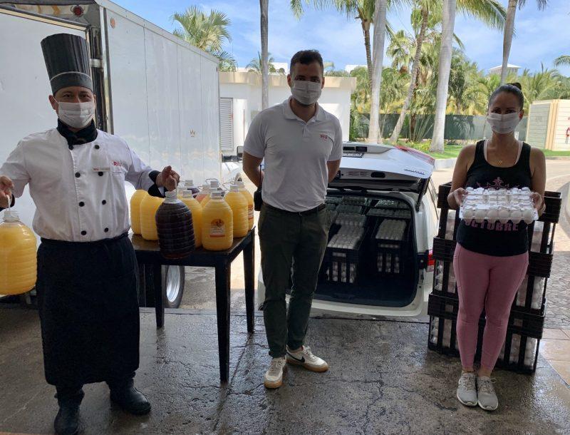 Mitarbeiter des Hotels Riu Vallarta in Mexiko spenden Eier und andere verderbliche Lebensmittel an soziale Organisationen