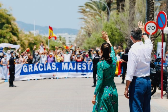 Greeting the King and Queen on their arrival to Mallorca during their visit in June 2020