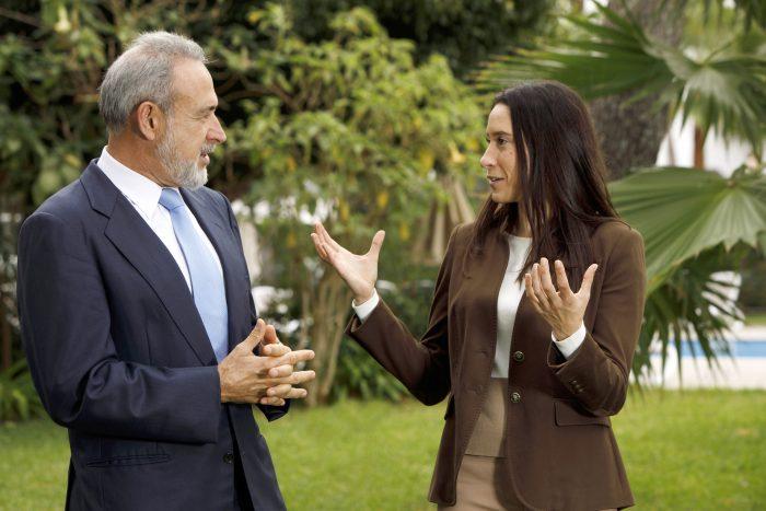 Luis Riu berichtet an RIUs Finanzverwaltung, für die Naomi Riu verantwortlich ist