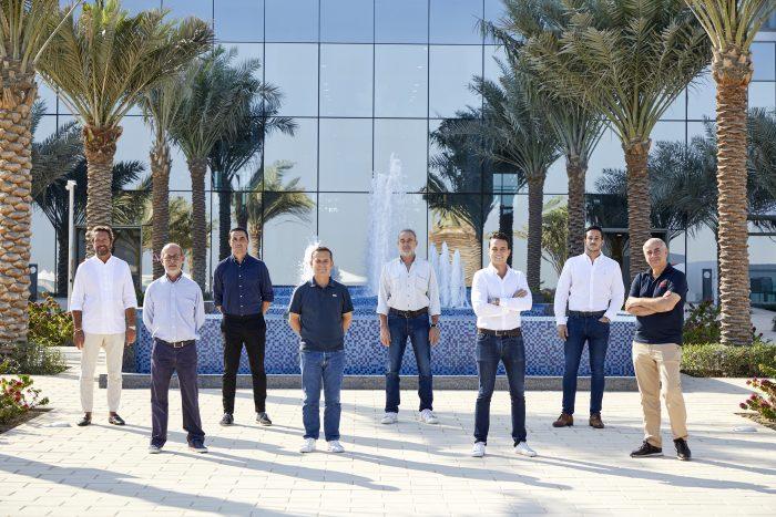 Luis Riu, junto a su equipo, durante una visita previa a la inauguración del nuevo hotel de RIU en Dubai