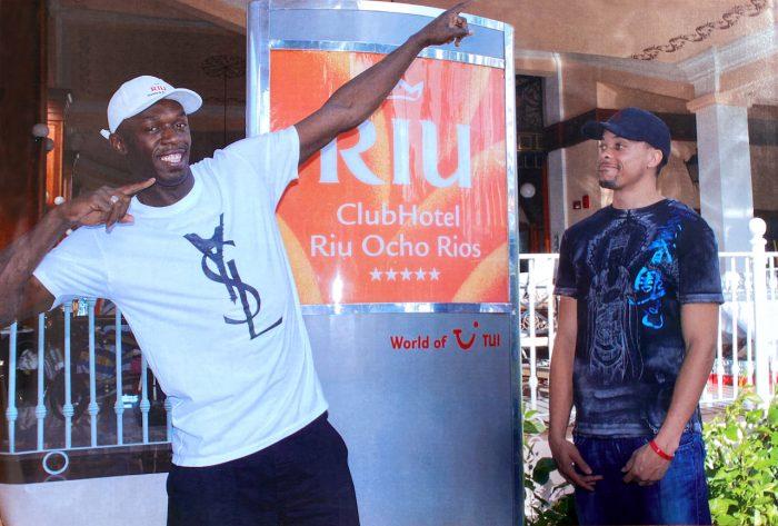 El atleta Usain Bolt en una visita al hotel Riu Ocho Rios en 2009