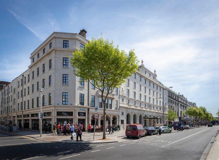 Riu Plaza de Dublín, uno de los 17 hoteles cuya reapertura poscovid ha anunciado Luis Riu cara a junio de 2021