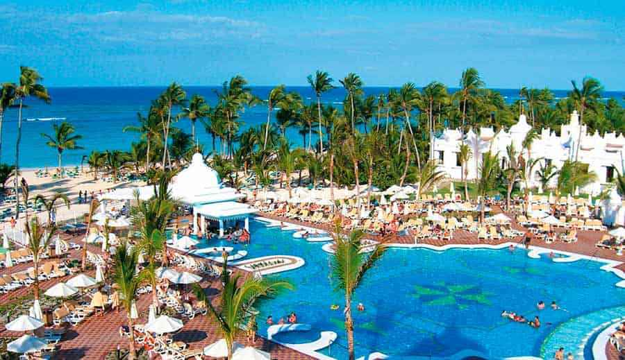Hotel Riu Palace Punta Cana - Outdoor pool
