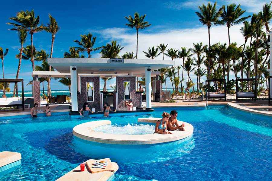Hotel Riu Palace Bavaro - Outdoor pool