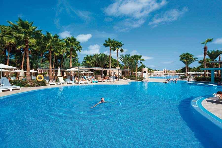 Hotel riu palace cape verde all inclusive hotel cape verde for Sal piscinas