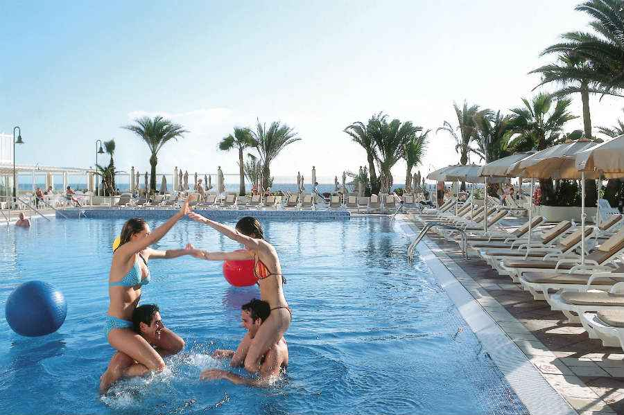 ClubHotel Riu Oliva Beach Resort - Outdoor pool