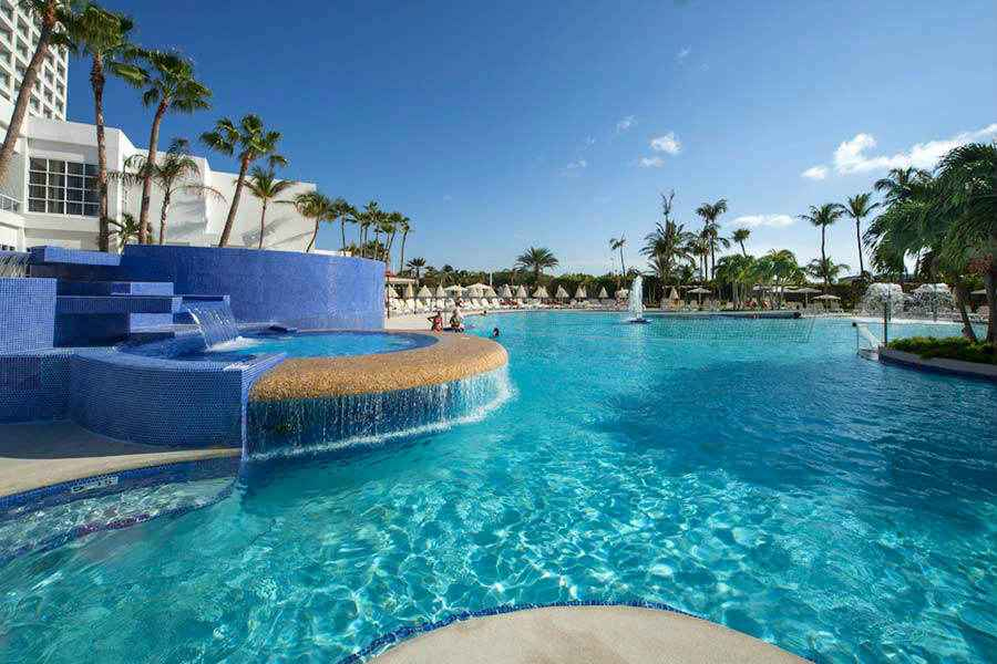 Hotel Riu Palace Antillas - Outdoor pool