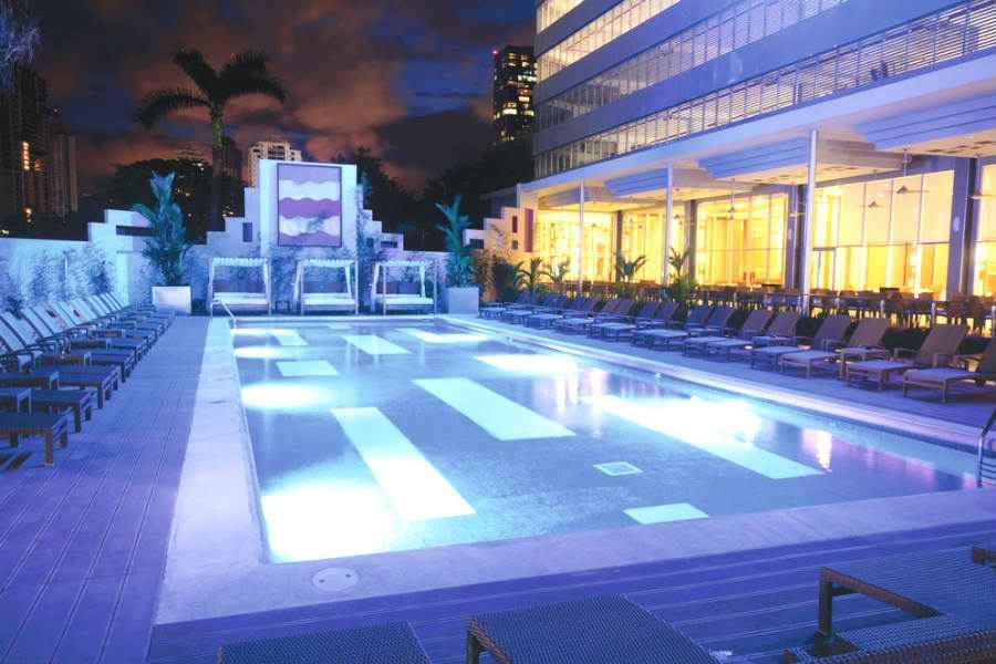 Geschwindigkeit aus Panama-Stadt Soda-Springbrunnen verhakt