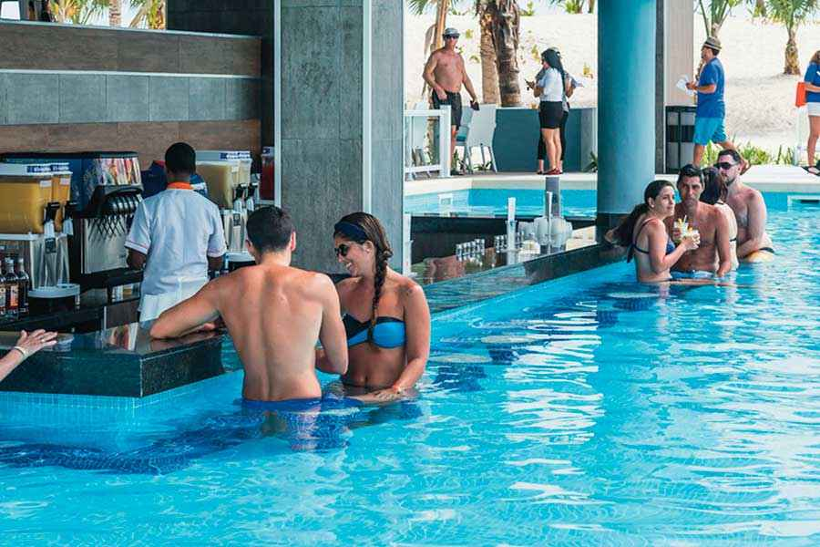 Hotel Riu Republica - Outdoor pool