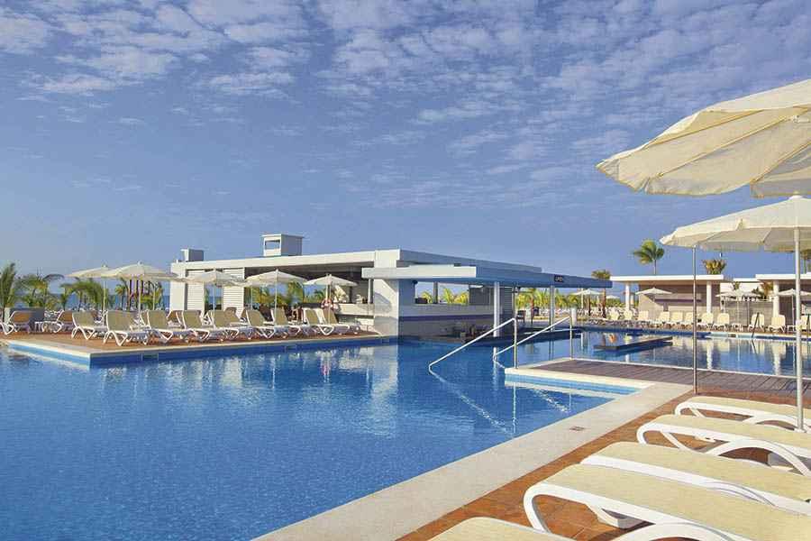 Hotel riu playa blanca hotel playa blanca panam todo for Habitacion familiar riu playa blanca