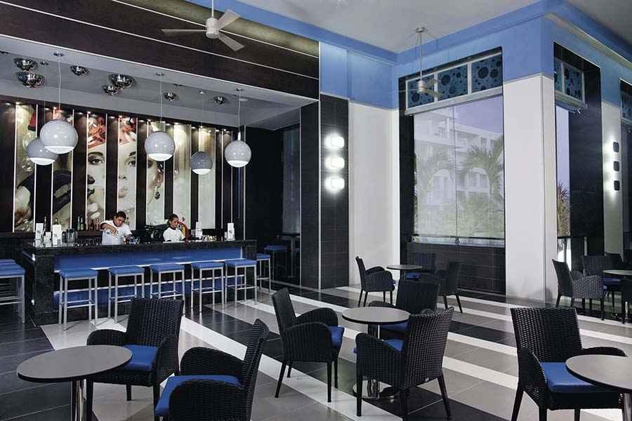 Hotel riu playa blanca hotel playa blanca panam todo for Habitacion familiar riu vallarta