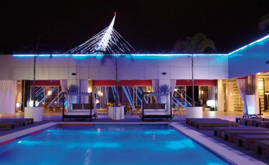 Conoce las opciones de hospedaje para la guadalajara for Hoteles con piscina en guadalajara