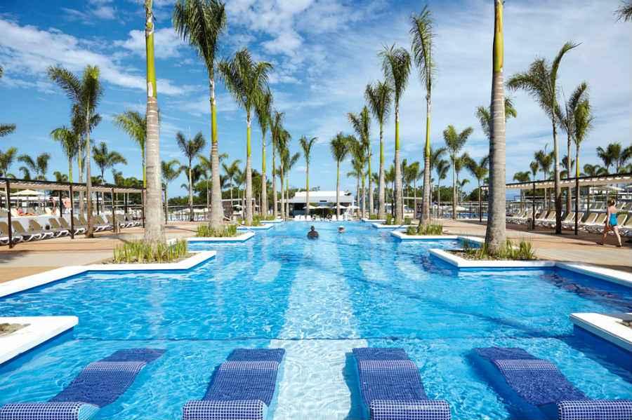 Hotel Riu Palace Costa Rica   Hotel playa de Matapalo todo ... Antonio Banderas Restaurant