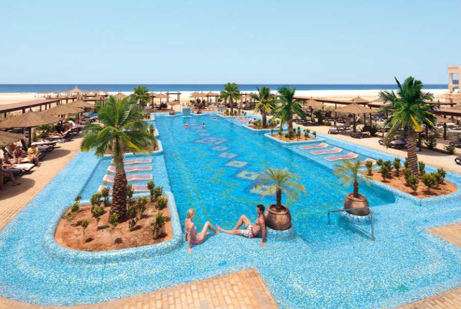 Hotel riu touareg hotel praia de boavista tutto incluso - Piscina laghetto playa prezzo ...