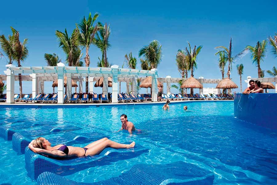 Hotel riu emerald bay all inclusive hotel playa brujas - Piscina playa ...
