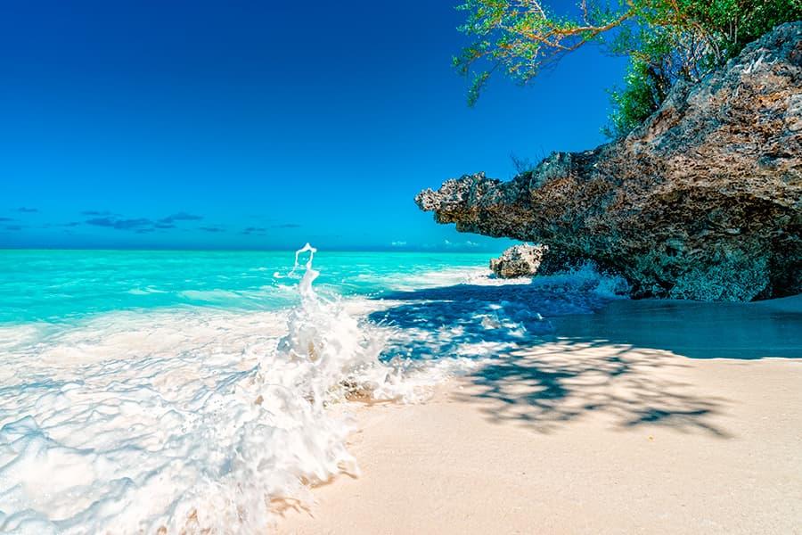 Насладитесь уникальной уединенной атмосферой, расслабьтесь и отдохните в бутик-отеле на острове Занзибар..